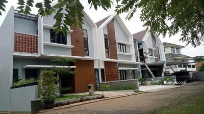 Dijual - Rumah 2 Lantai Cantik Megah KPR Tanpa DP Free Biaya KPR