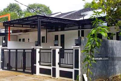 Dijual - Dijual Cepat Rumah Mustikajaya Bekasi Kota dekat Mc. D Zamrud, Bebas Banjir, dalam cluster baru