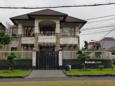 Dijual - Dijual rumah mewah hook Di jalan utama Boulevard Puncak Dieng Malang