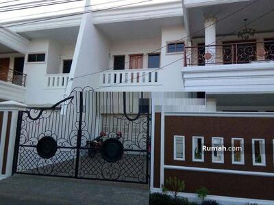 Dijual - Rumah Mewah di lingkungan nyaman dan asri di Jati padang Jakarta Selatan,