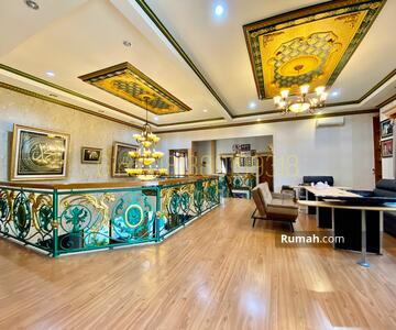 Dijual - BEST PRICE! Rumah Cantik Depan Taman Dalam Komplek Nyaman Gudang Peluru, Luas 550 Meter