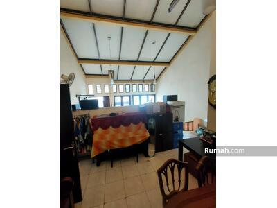 Dijual - Rumah kosan di Setiabudi Sudirman 11 Kmr
