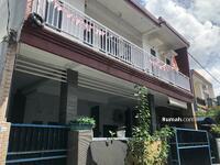 Disewa - Rumah Disewakan 4 Kamar di Pemogan