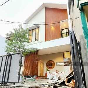 Dijual - Rumah Mewah di Klender lingkungan nyaman Bebas Banjir