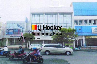 Dijual - Bangunan kator di tengah kota, jalan Gajahmada (VR)