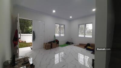 Dijual - Rumah Baru Pulomas/Brand New House