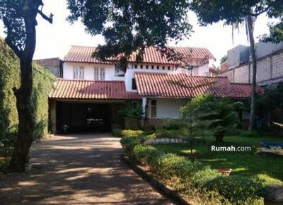 Dijual - Jual Murah Rumah 2 Lantai Bonus Tanah Luas di Jakarta Selatan