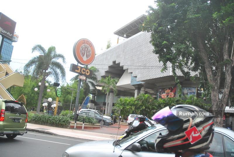 Plaza Surabaya #8886362
